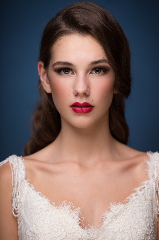 Elegant Makeup and Hair